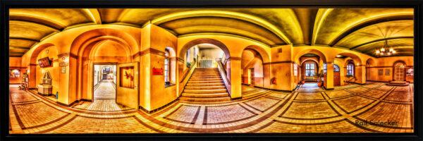 Theater. Fast wie Escher, mit seinen Darstellungen perspektivischer Unmöglichkeiten und seltsamer Wahrnehmungsphänomene. (Panoramafoto: Ralf Salecker)